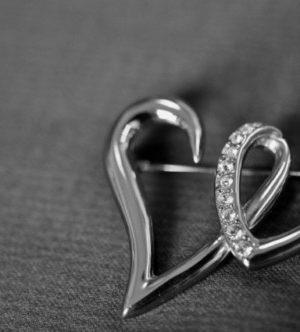 9月26日の誕生石はハートと矢を示すダイヤモンド(H&C)