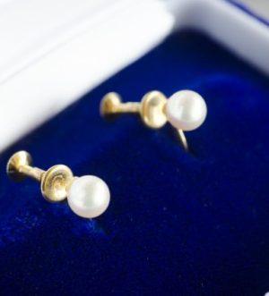 9月8日の誕生石は、上品な真珠