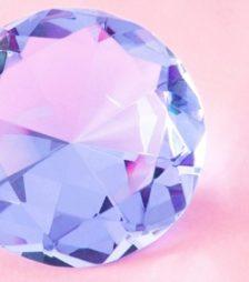 8月8日の誕生石「ラウンド・カットのダイヤモンド」