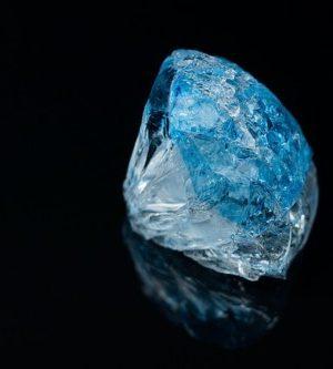 6月28日の誕生石「ブルー・ジルコン」