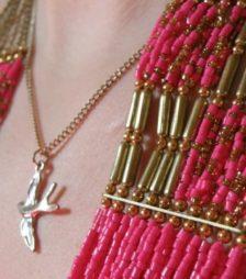 3月28日の誕生石のピンク・ゴールド