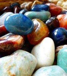 1月1日の誕生石ひすいは歴史のある石です