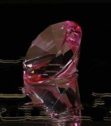 2月15日の誕生石「ピンク・ジルコン」